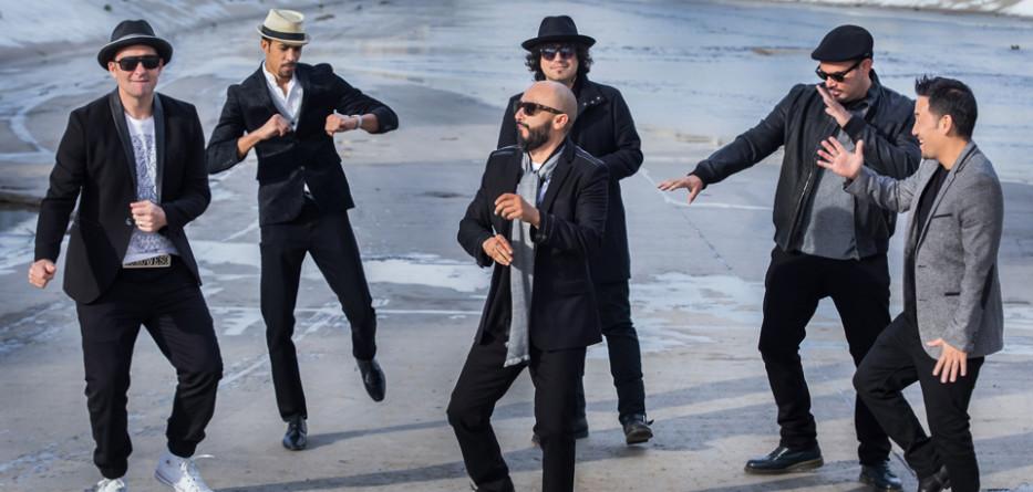 Ozomatli toca en Cesar Chavez Park Jueves Agosto 4. Mas información en .