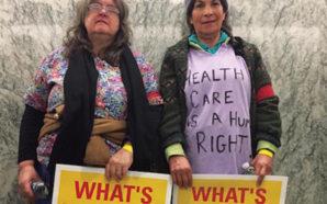 Berta Alvarado (derecha) viajó del sureste de Washington a Washington DC esperando hablar con sus representantes sobre el futuro de los servicios de salud. Photo Credit: Service Employees Int'l. Union