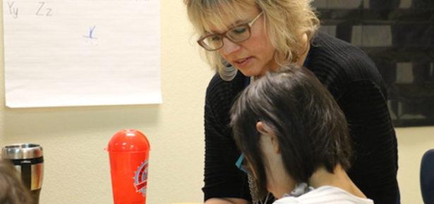Leslie Lindberg-Harper is part of the diverse group of education support professionals in the Salem-Keizer school district. Photo Credit: Charles Lapham/Oregon Education Association